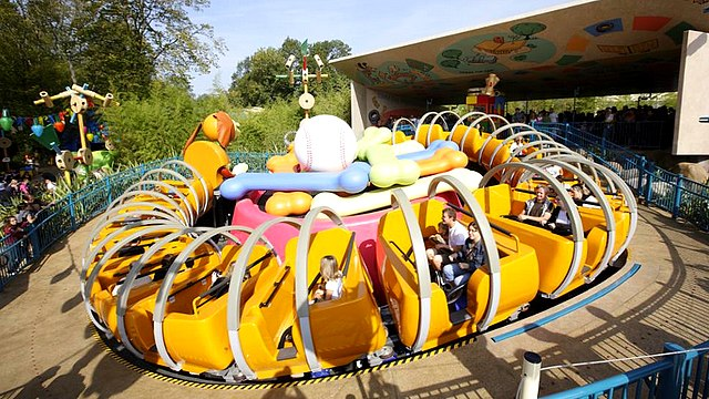 slinky dog zigzag spin attraction walt disney studios disneyland paris