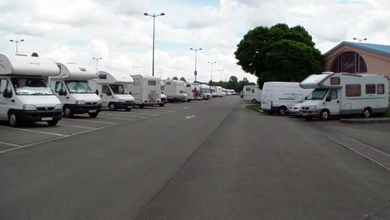 parking camping car pinocchio disneyland paris