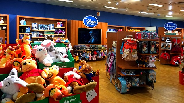 boutique disney store france galeries lafayette rosny