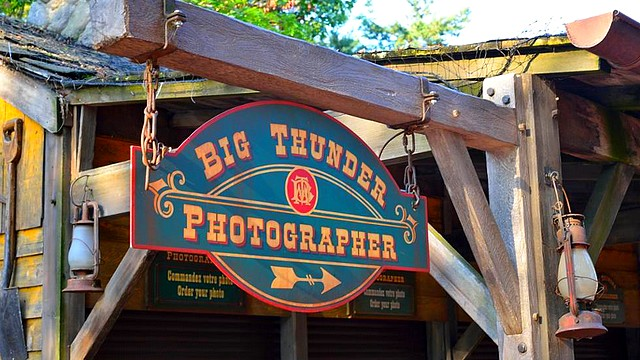 boutique disneyland paris boutique big thunder photographer boutique disney