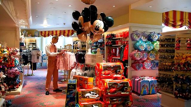boutique disneyland paris boutique des hotels disney boutique galerie mickey disneyland hotel