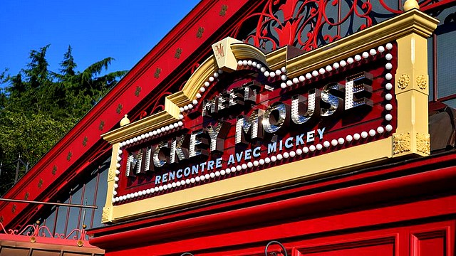 boutique disneyland paris boutique meet mickey photographs boutique disney