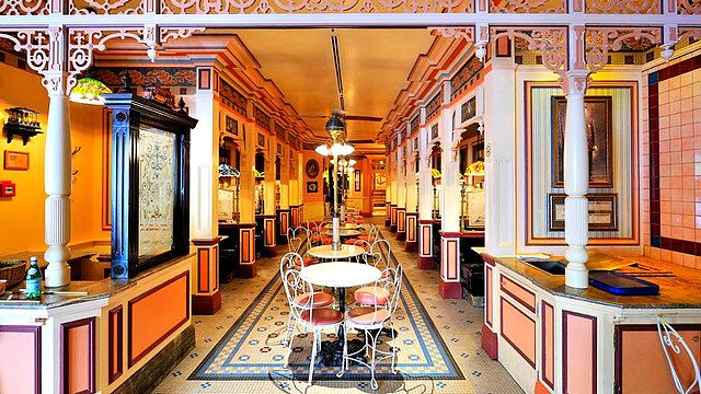 restaurant disneyland paris restaurant cable car bake shop