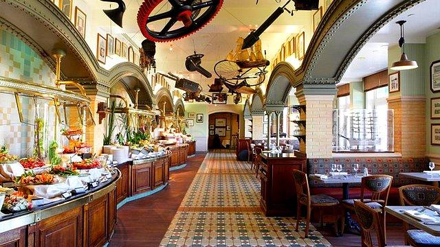 restaurant disneyland paris restaurant hotel disney restaurant inventions
