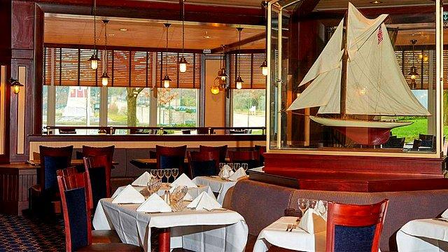 restaurant disneyland paris restaurant hotel disney restaurant yacht club