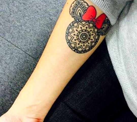 tatouage disney mickey minnie avant bras