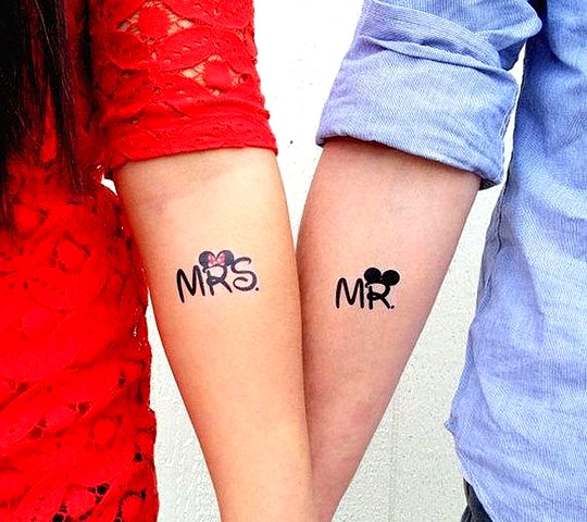 tatouage disney mickey minnie couple bras mrs mr