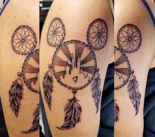 tatouage disney mickey minnie plume attrape reve