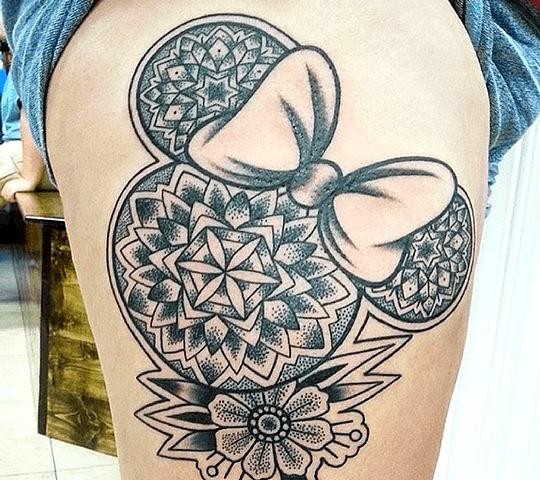 tatouage disney minnie femme noeud