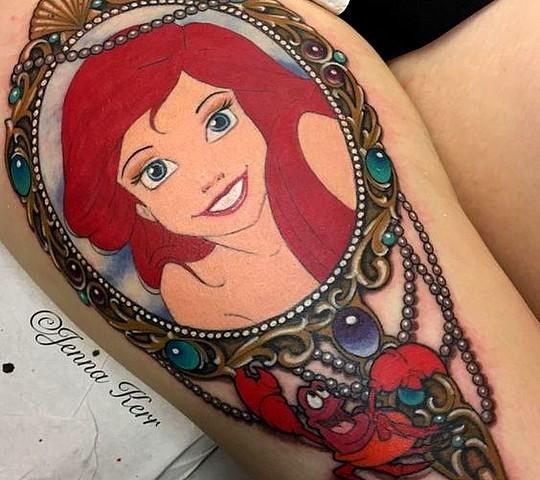 tatouage disney princesse ariel petite sirene jambe cuisse couleur